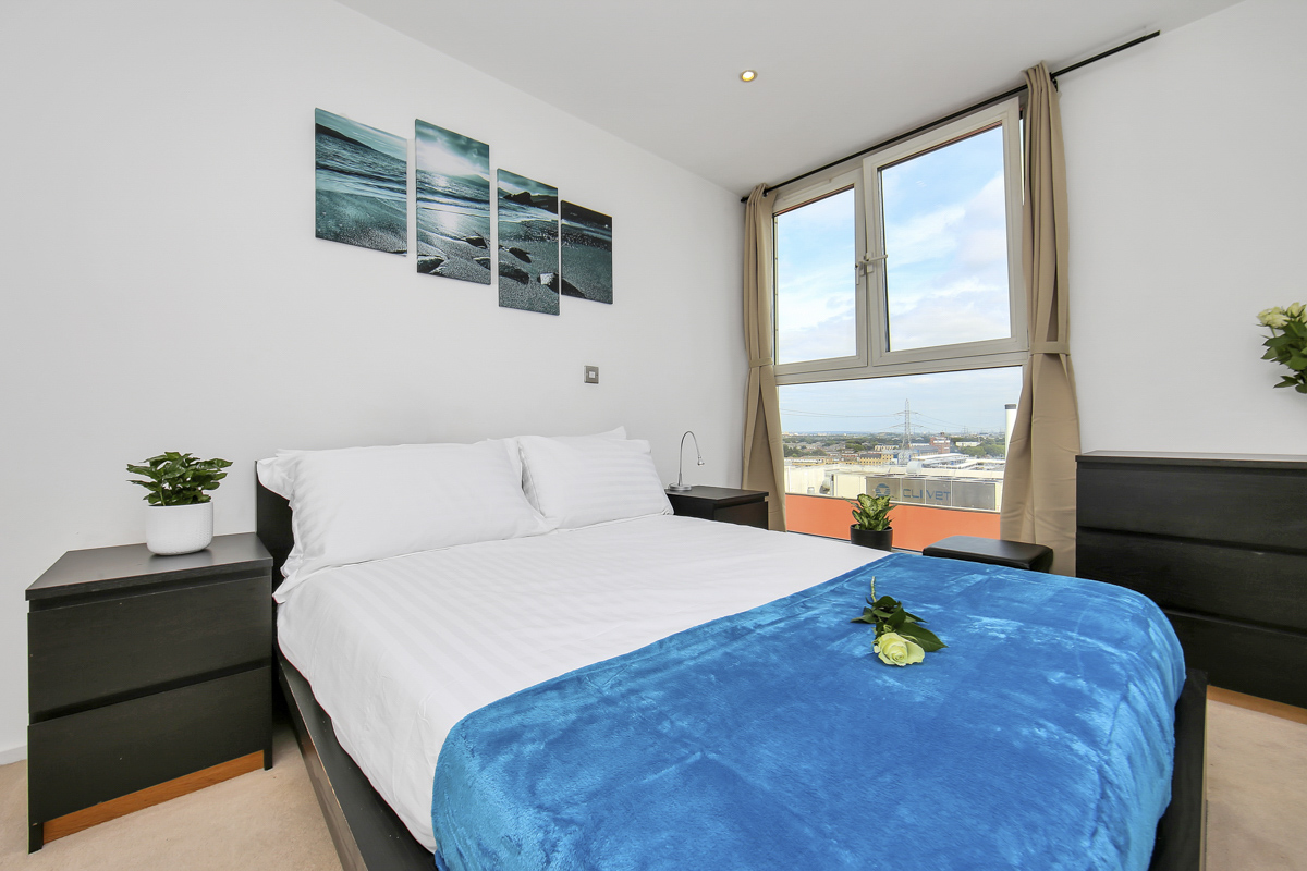 Bright bedroom at Oxygen Apartments - Citybase Apartments
