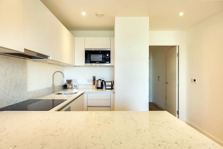 Kitchen at Emerson Court Apartments - Citybase Apartments