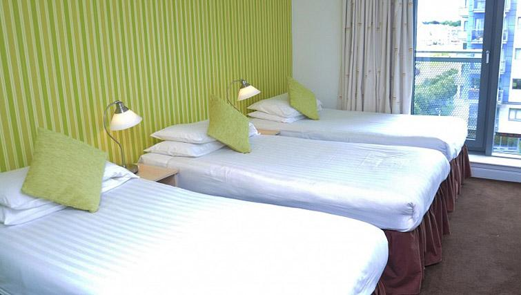 Triple bedroom at Ocean Serviced Apartments - Citybase Apartments