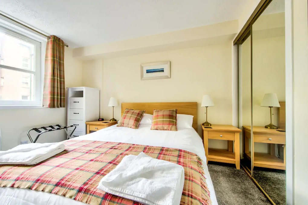 Bright bedroom at Castle Wynd South Apartment - Citybase Apartments