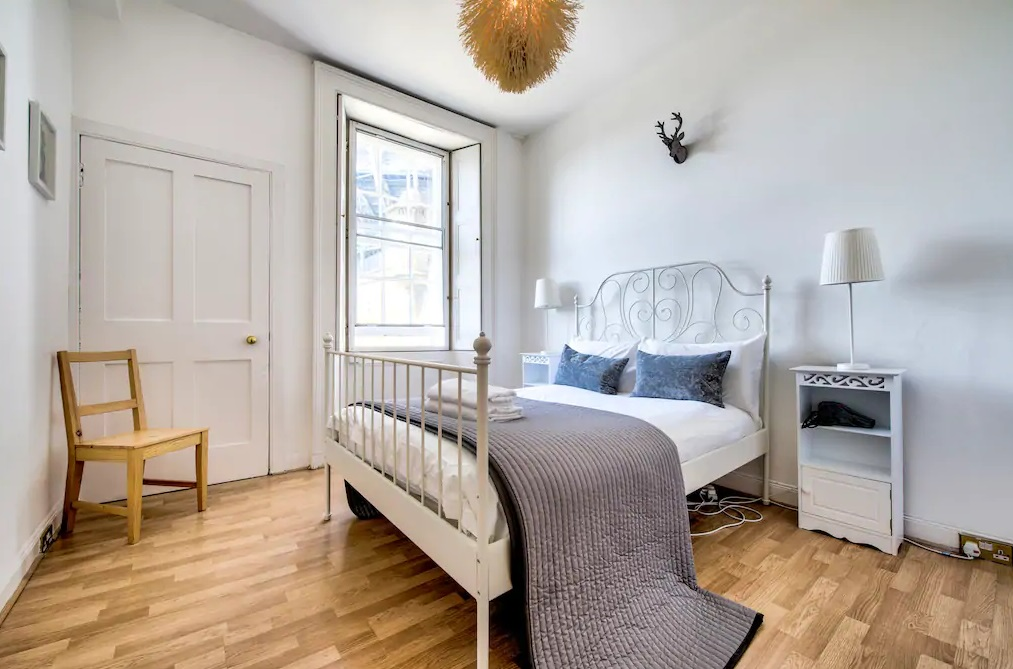 Bedroom at Johnston Terrace Apartment - Citybase Apartments