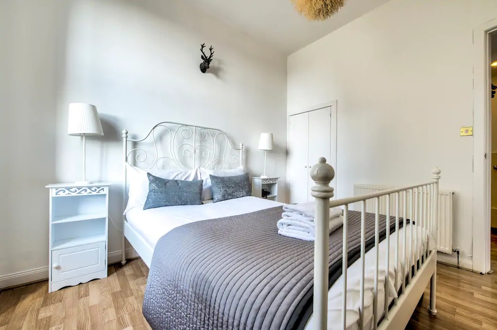 Bright bedroom at Johnston Terrace Apartment - Citybase Apartments