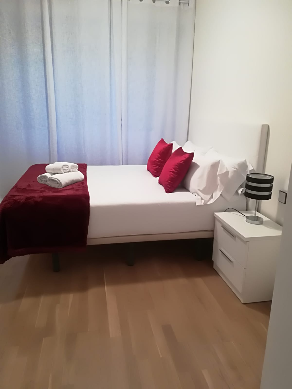 Double bed at Goya 34 Apartment - Citybase Apartments