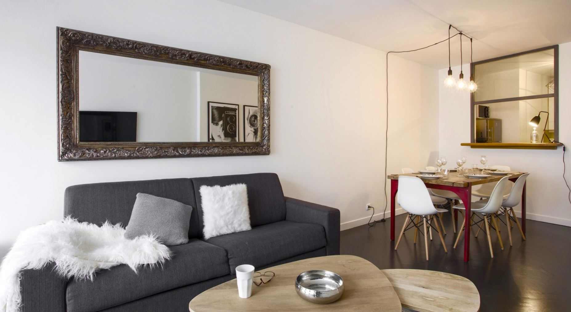 Living room at Vivienne Apartment - Citybase Apartments