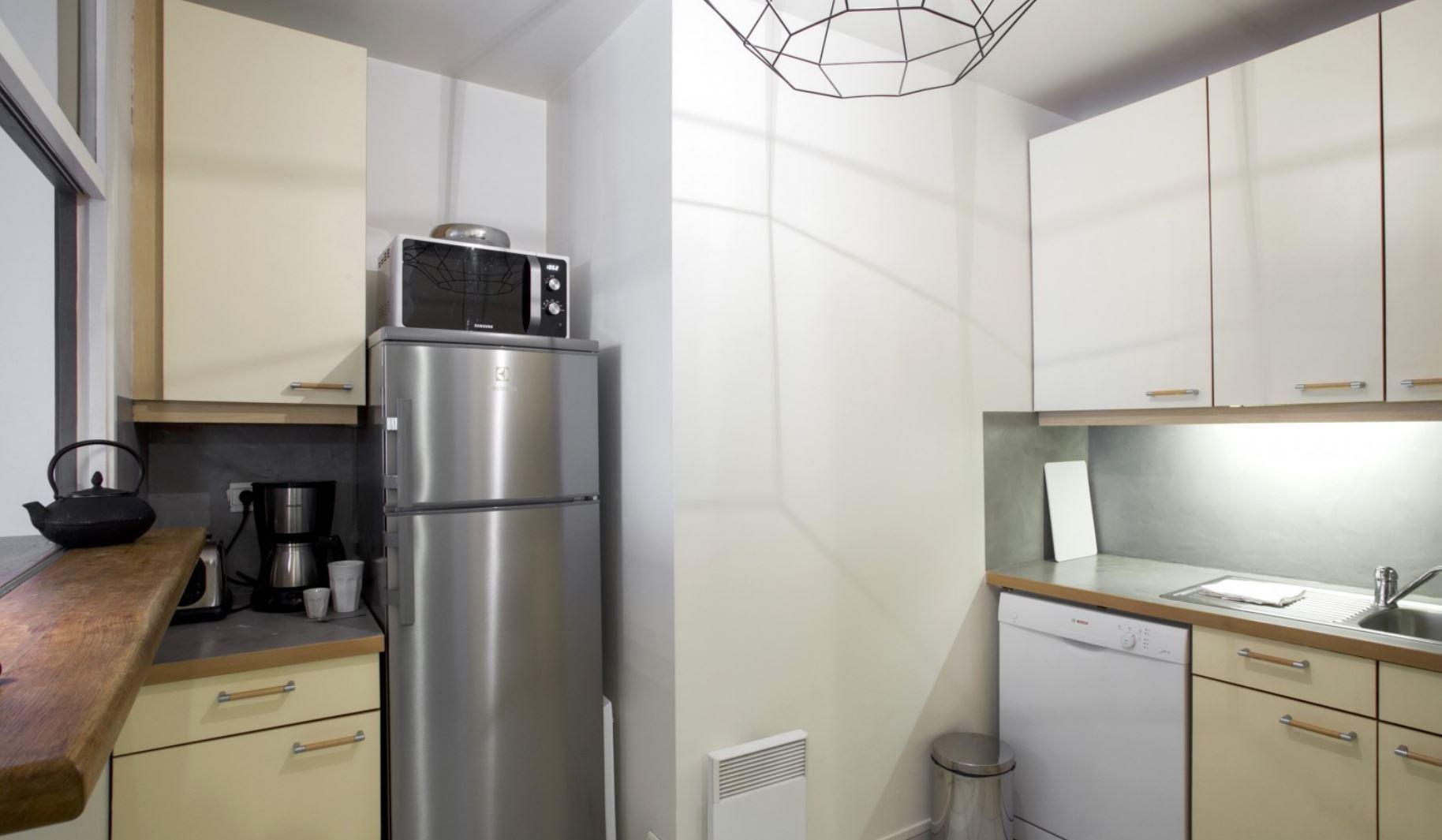 Kitchen at Vivienne Apartment - Citybase Apartments