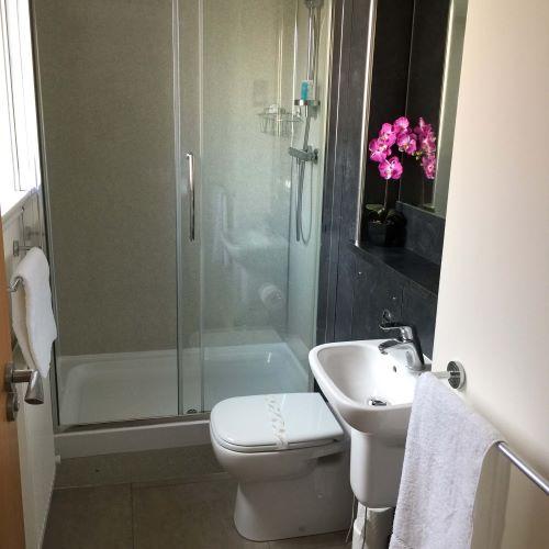 En suite at Botanic Hub West End Apartment - Citybase Apartments