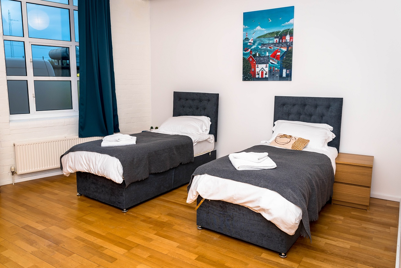 Twin beds at Radford Apartment, Basford, Nottingham - Citybase Apartments