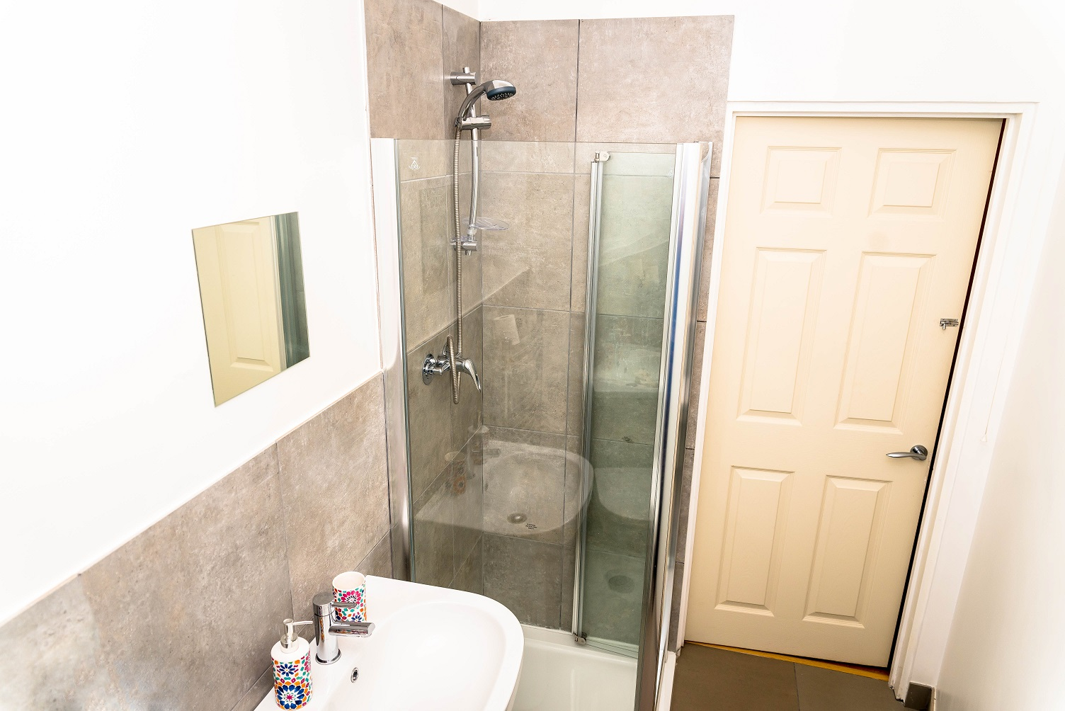 Bathroom at Radford Apartment, Basford, Nottingham - Citybase Apartments