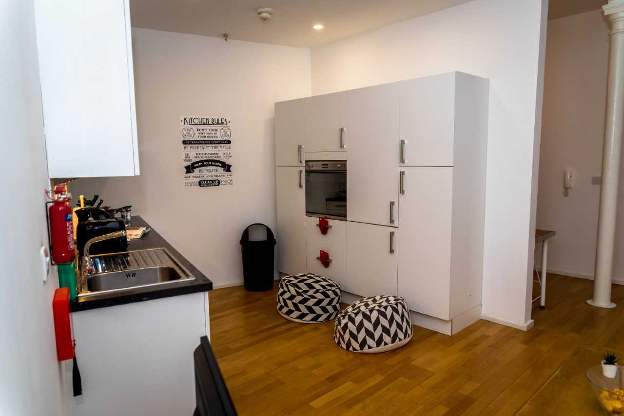 Fully equipped kitchen at Radford Apartment, Basford, Nottingham - Citybase Apartments
