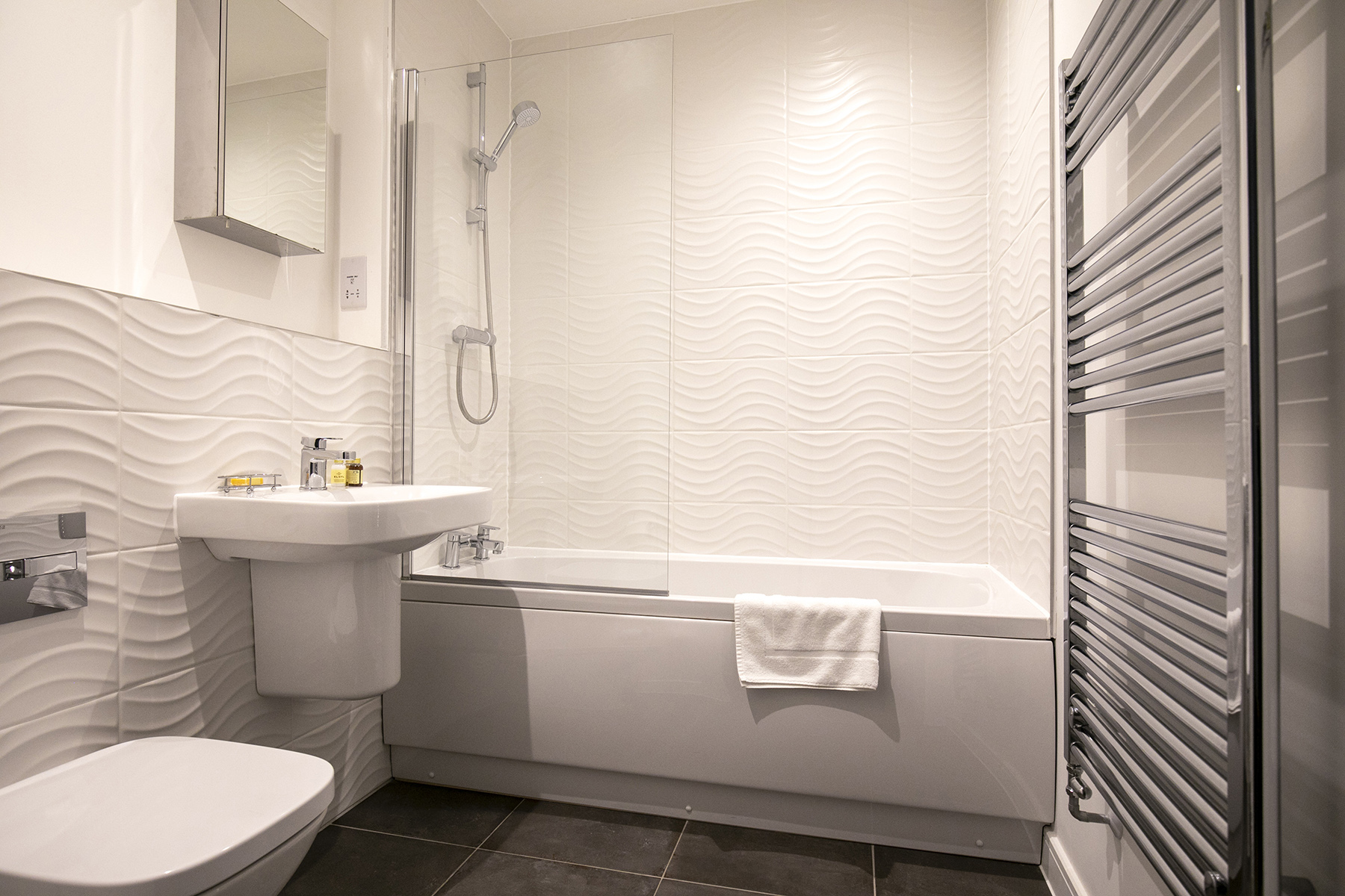 Bathroom at Wey Corner Apartment, Centre, Guildford - Citybase Apartments