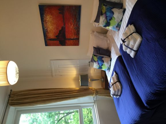 Twin beds at Trefoil Apartment - Citybase Apartments