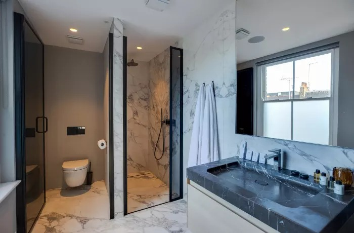 Modern bathroom at Soho Serviced Apartments - Citybase Apartments