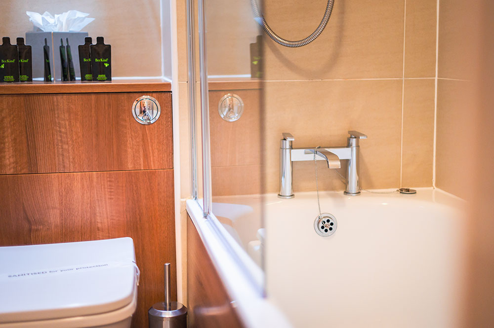 Bathroom at The Knight Residence, Old Town, Edinburgh - Citybase Apartments