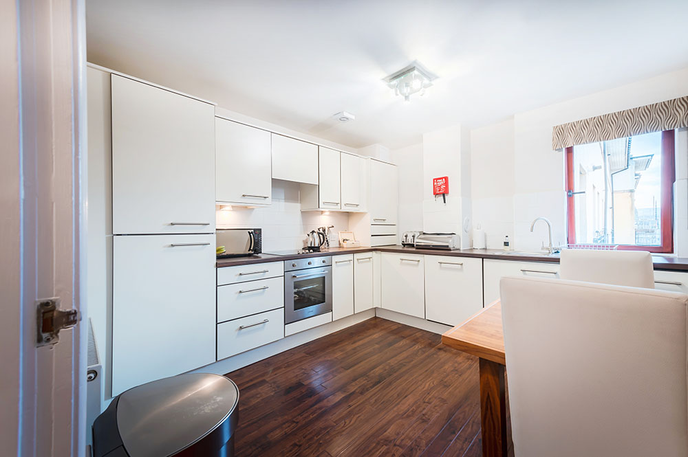 Kitchen diner at The Knight Residence, Old Town, Edinburgh - Citybase Apartments