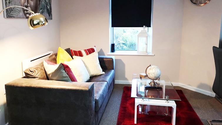 Sofa at Metropolitan House Serviced Apartments - Citybase Apartments