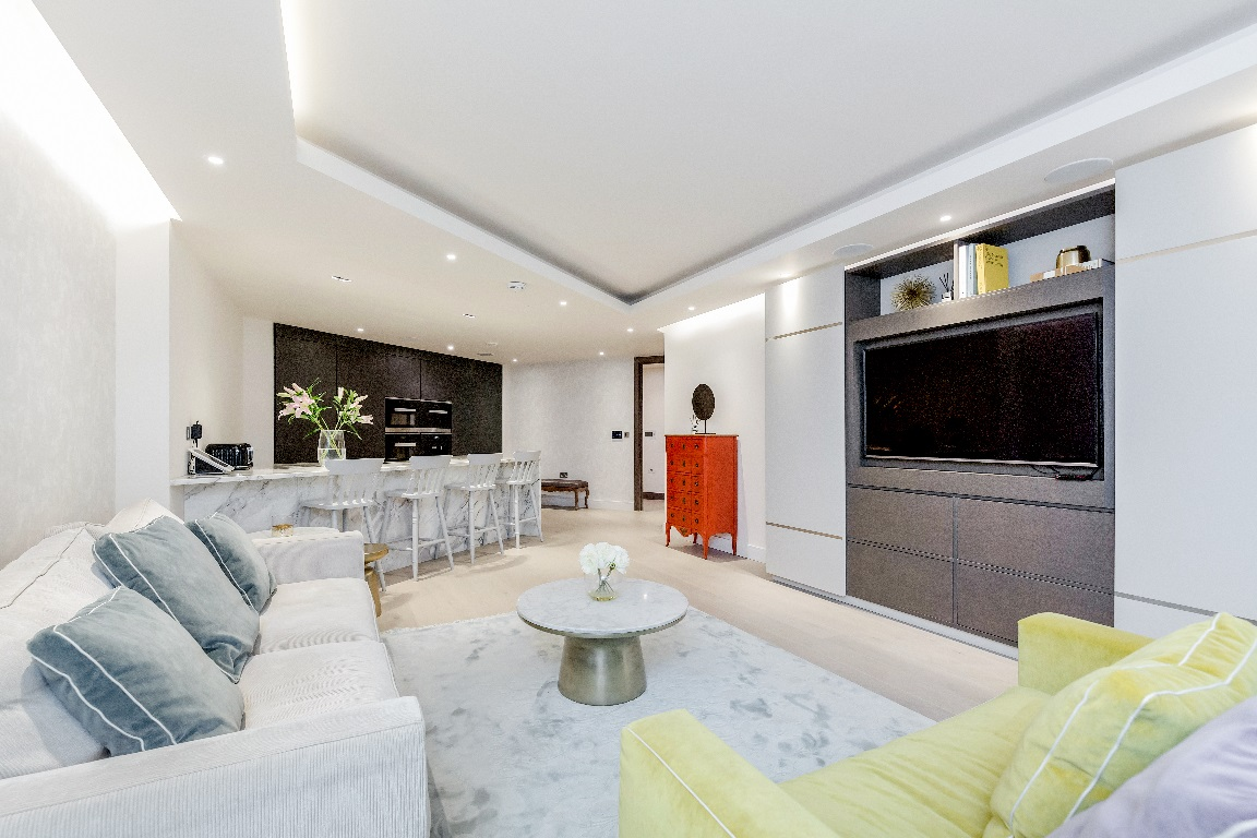 TV at The Chelsea Pads, Imperial Wharf, London - Citybase Apartments