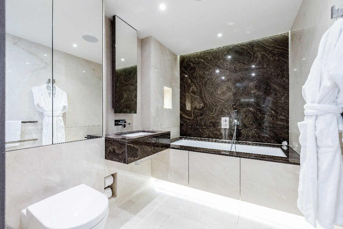 Bath at The Chelsea Pads, Imperial Wharf, London - Citybase Apartments