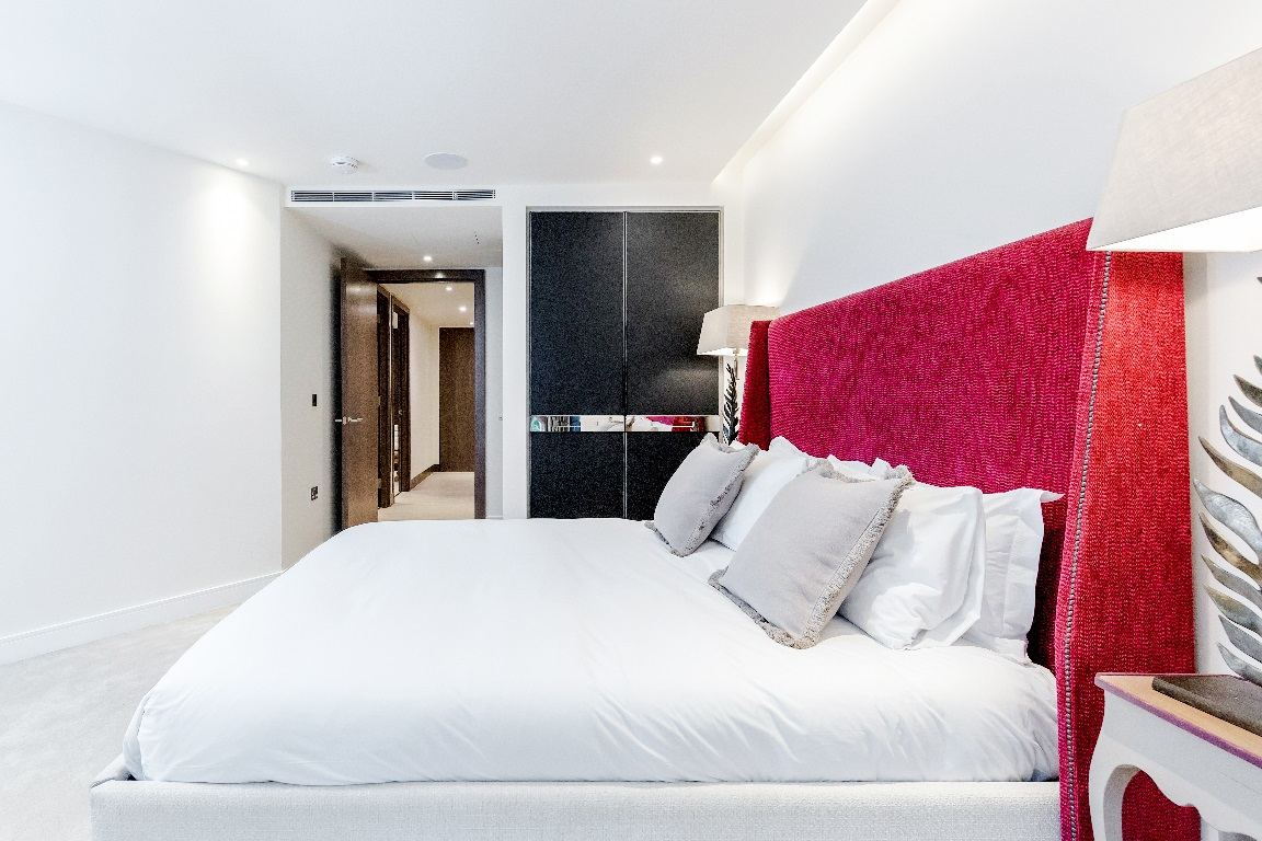 Comfy bed at The Chelsea Pads, Imperial Wharf, London - Citybase Apartments