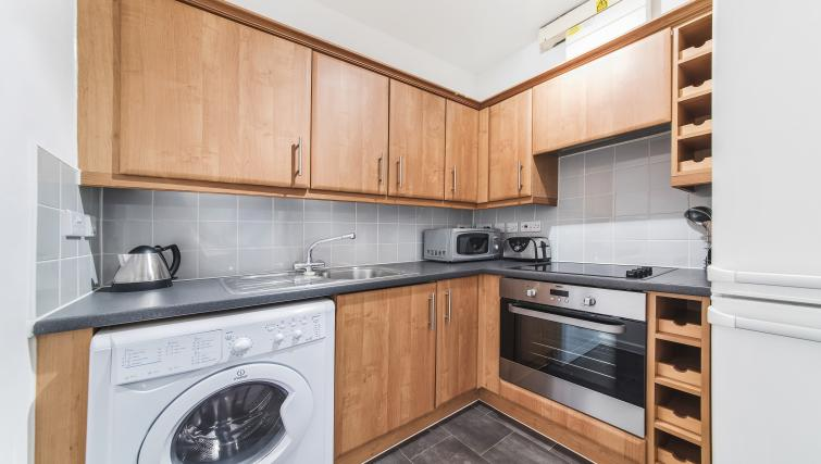 Modern kitchen in Dolphin Square - Citybase Apartments
