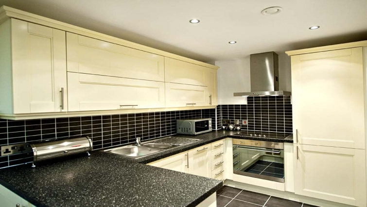 Well equipped kitchen at Lever Court Apartments - Citybase Apartments