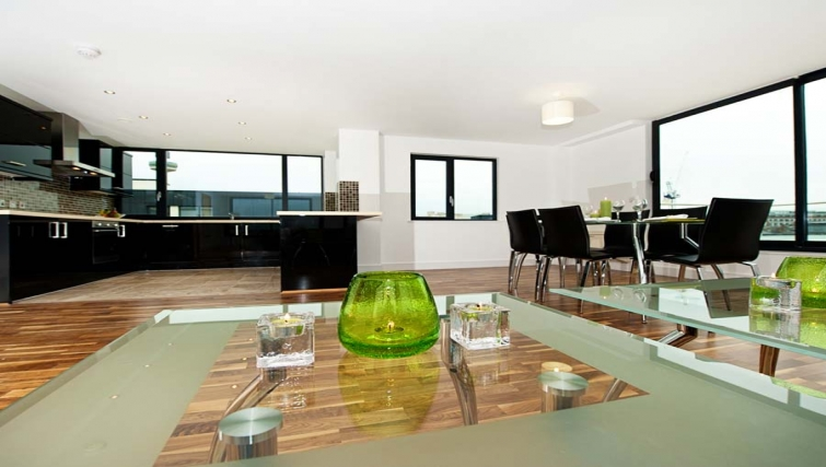 Stunning living area in Lever Court Apartments - Citybase Apartments