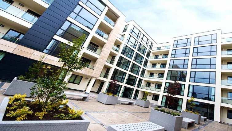 Grand exterior of Lever Court Apartments - Citybase Apartments