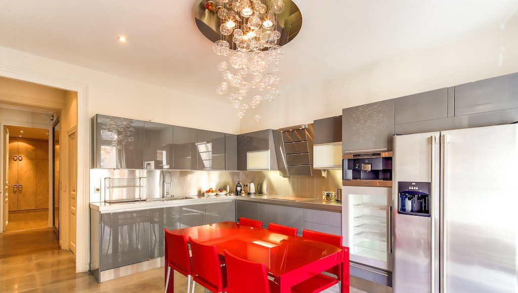 Dining table at Montaigne Apartments - Citybase Apartments