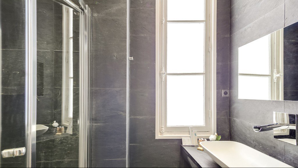 Shower at Montaigne Apartments - Citybase Apartments