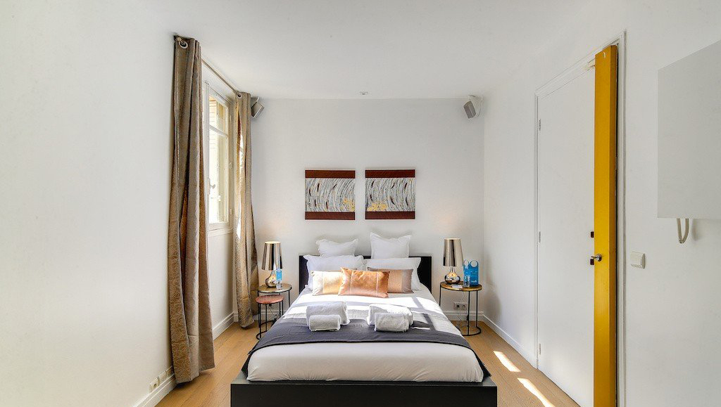 Bright bedroom at Montaigne Apartments - Citybase Apartments