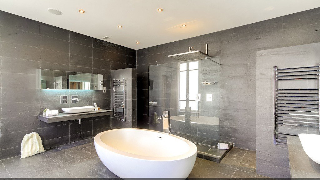 Bathroom at Montaigne Apartments - Citybase Apartments
