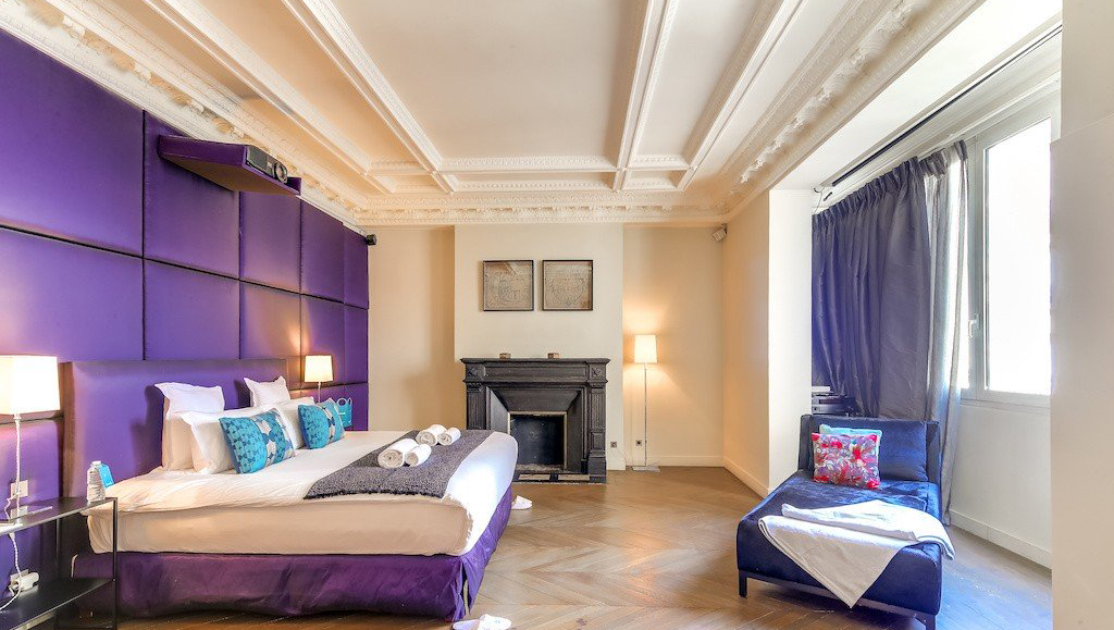 Spacious bed at Montaigne Apartments - Citybase Apartments