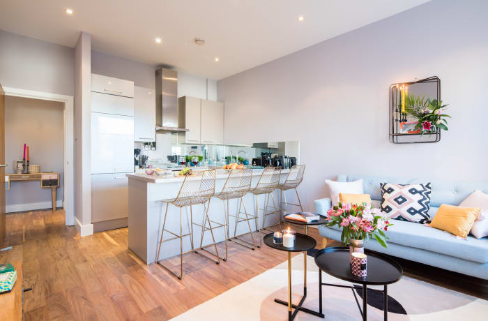 Open-plan living area at Notting Hill Serviced Apartments - Citybase Apartments