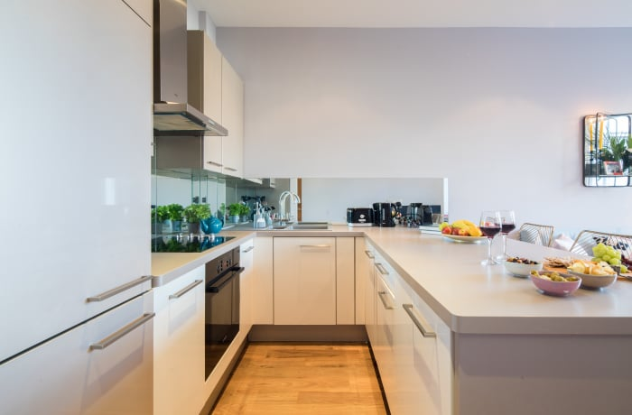 Equipped kitchen at Notting Hill Serviced Apartments - Citybase Apartments