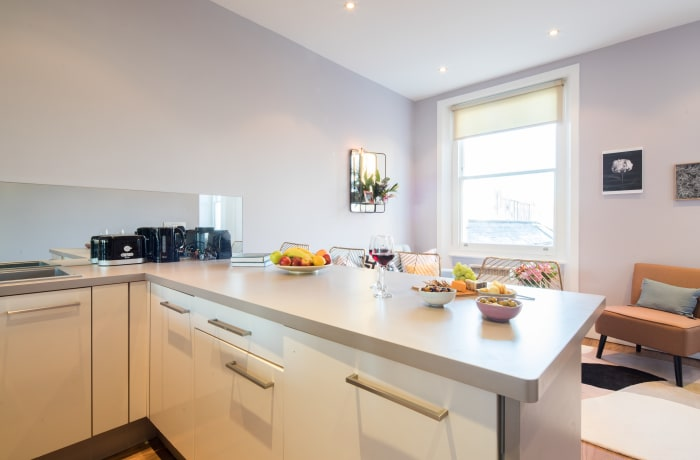 Sleek kitchen at Notting Hill Serviced Apartments - Citybase Apartments