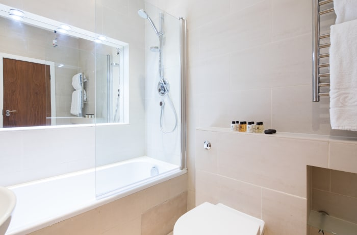 Bathroom at Notting Hill Serviced Apartments - Citybase Apartments