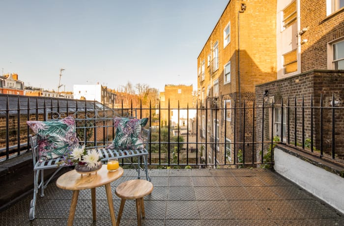 Terrace area at Notting Hill Serviced Apartments - Citybase Apartments