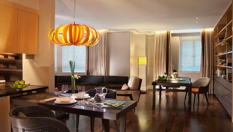Dining area in Ascott Raffles Place Singapore Apartments, Singapore - Citybase Apartments
