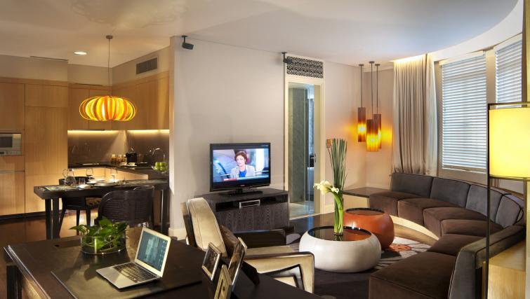Stylish lounge at Ascott Raffles Place Singapore Apartments, Singapore - Citybase Apartments