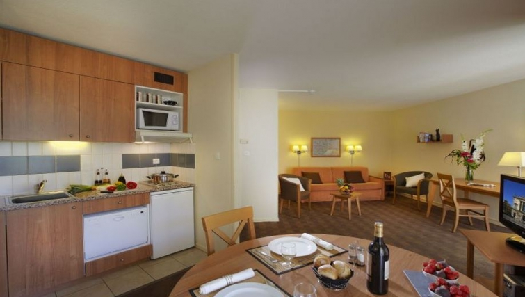 Contemporary kitchen in Citadines Antigone Apartments - Citybase Apartments
