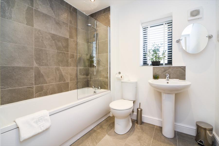 Bathroom at Hamilton Lodge - Citybase Apartments