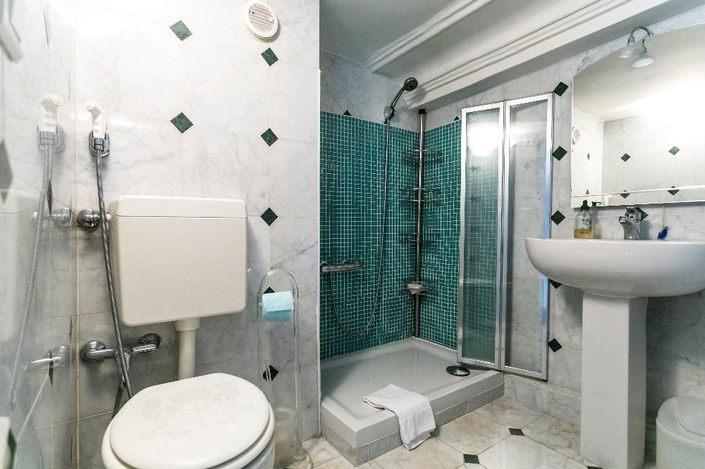Bathroom at Braque Serviced Apartment - Citybase Apartments