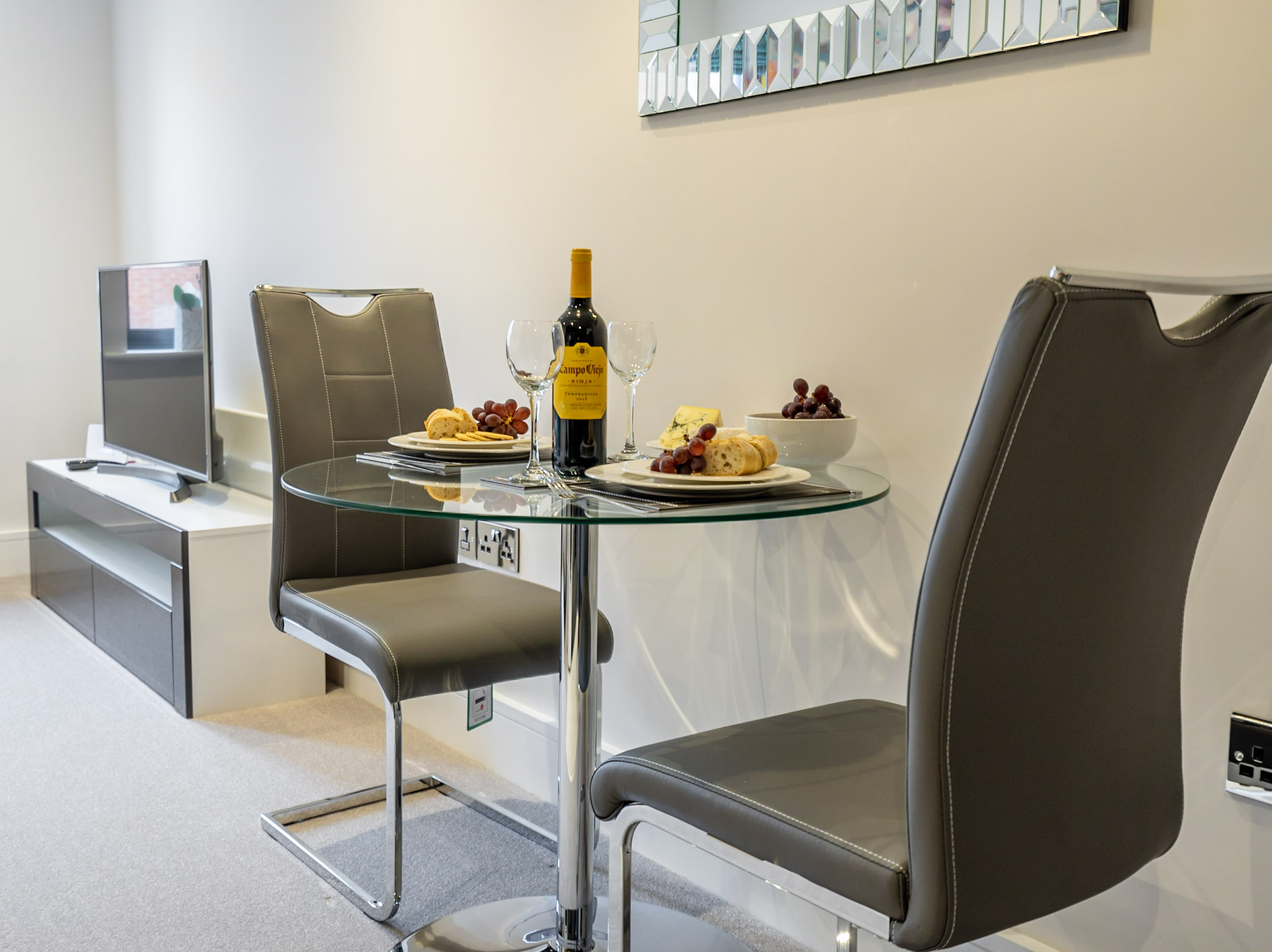 Dining table at London Mews Serviced Apartments - Citybase Apartments