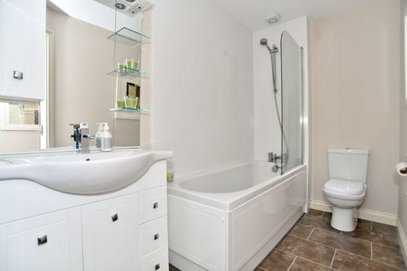 Bathroom at Oldmill Road Apartments - Citybase Apartments