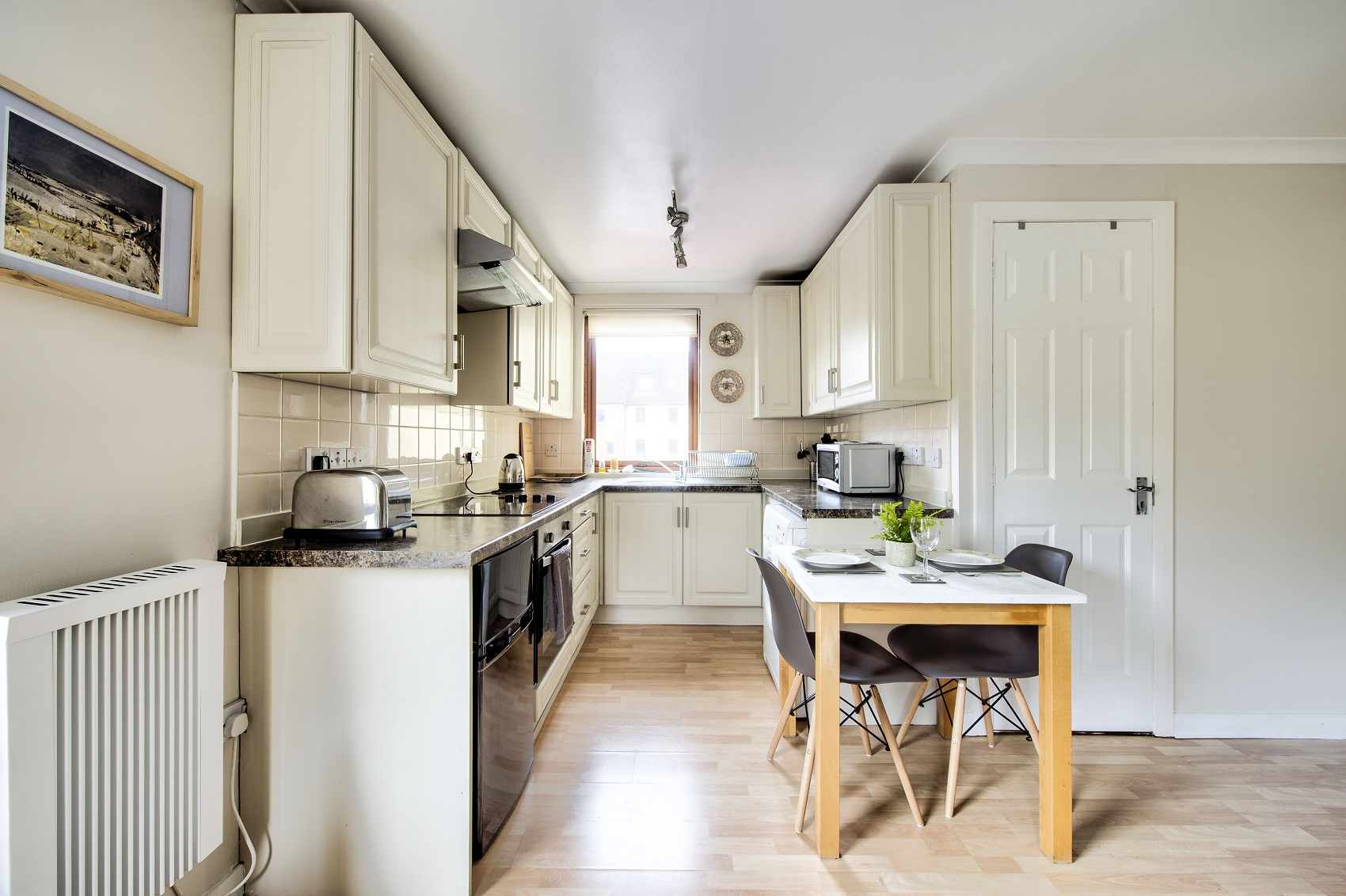 Kitchen facilities at Damside Serviced Apartment - Citybase Apartments