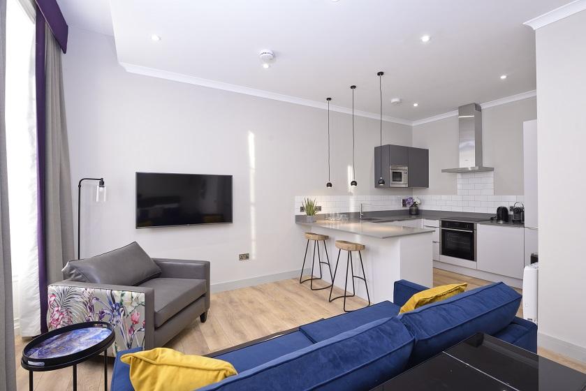 TV at Charlotte Square Apartments - Citybase Apartments