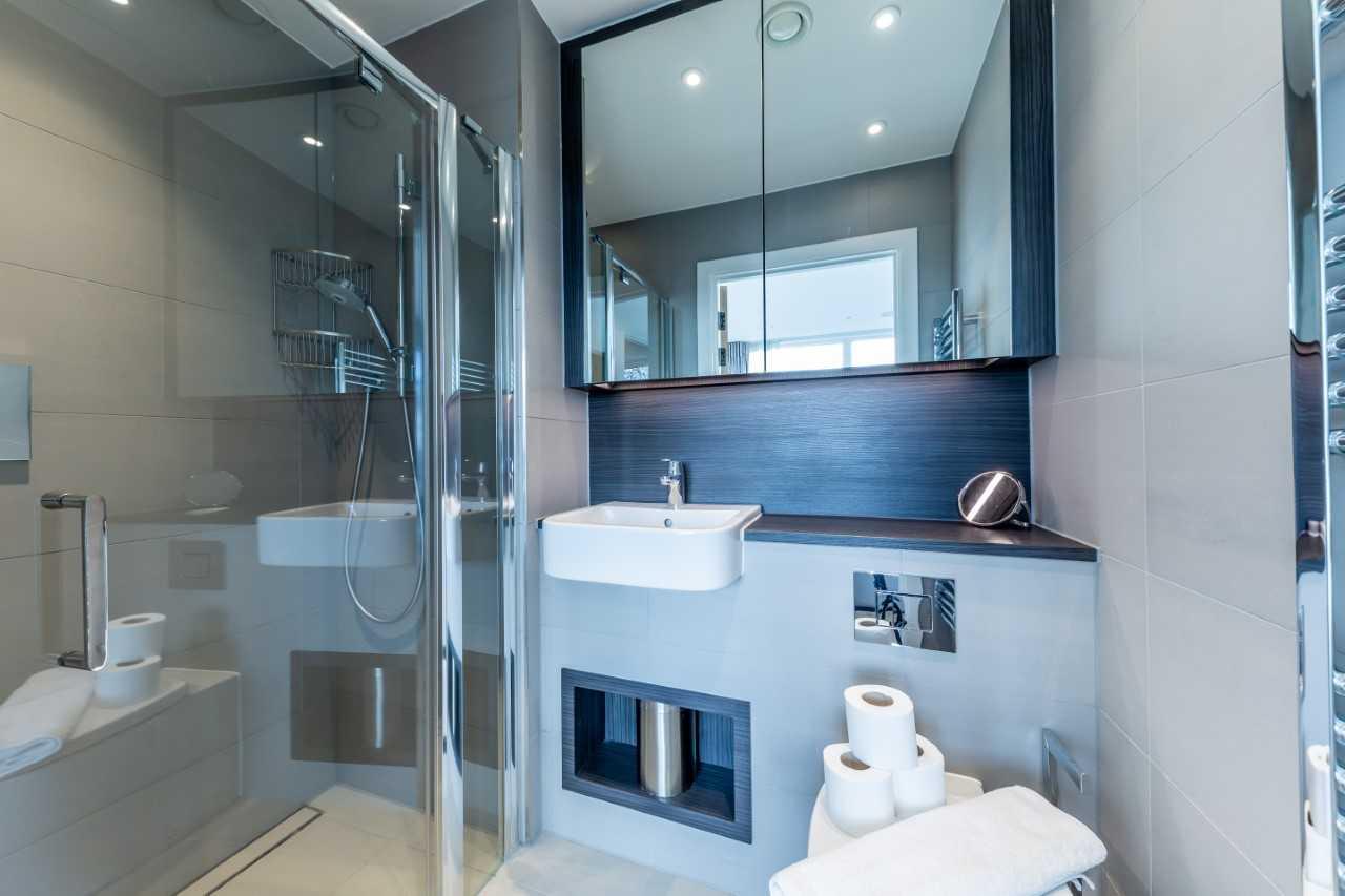 Modern bathroom at Camden St Pancras Way Apartment - Citybase Apartments