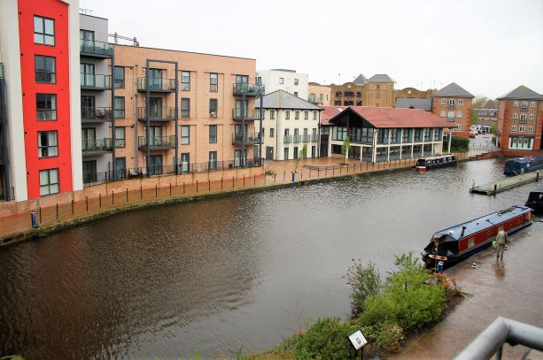 Riverside View at Cressey Quay Apartment - Citybase Apartments
