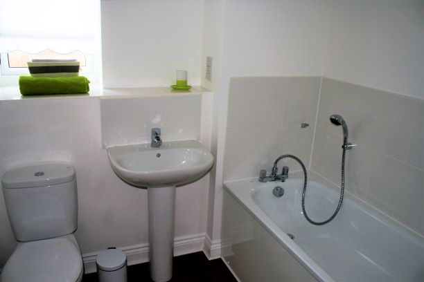 Bathroom at Cressey Quay Apartment - Citybase Apartments