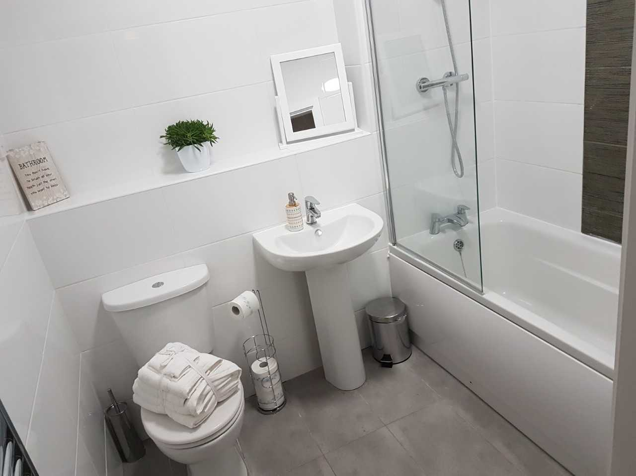Bathroom at Guild House Serviced Apartment - Citybase Apartments