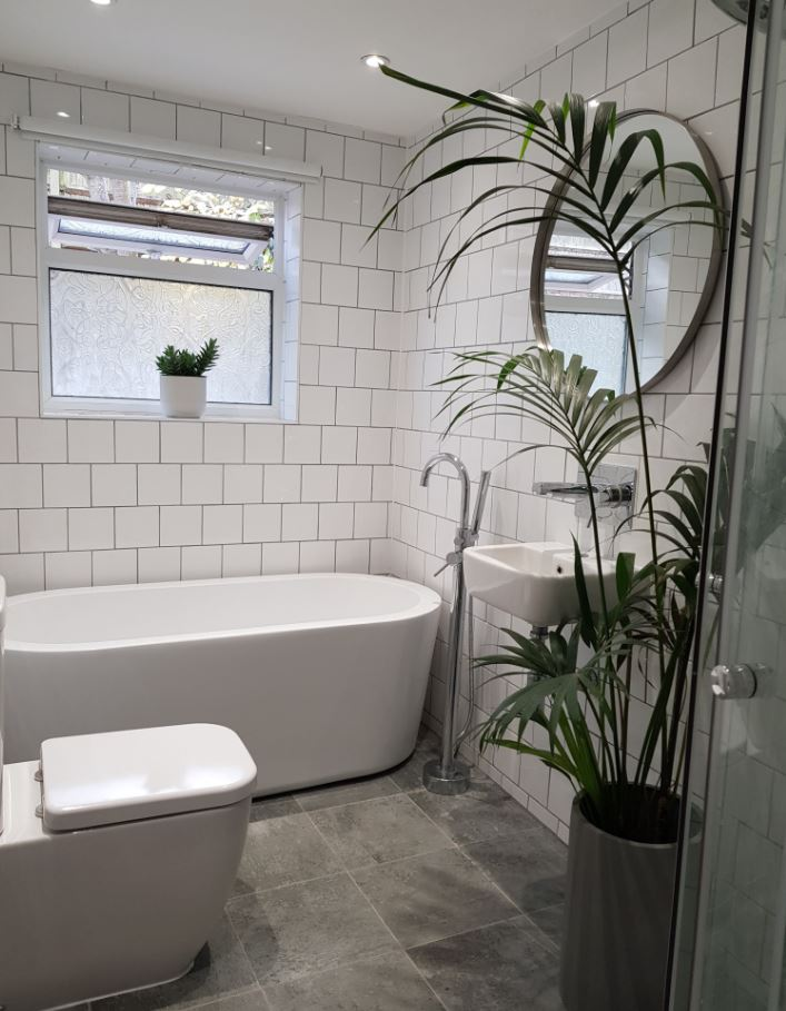 Bathroom at Upper Crown Street Apartments - Citybase Apartments
